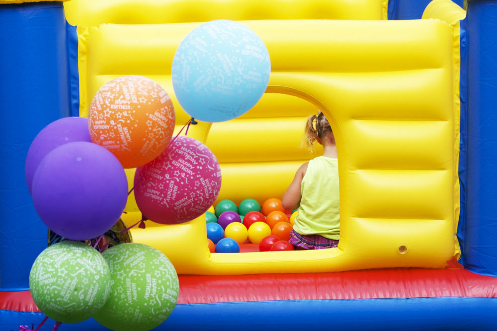 Costzon Inflatable Crayon Bounce House Good Buy or Not